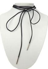 Collares y colgantes de bisutería negros textiles