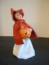 BYERS CHOICE HALLOWEEN COSTUME CAROLER ~ GIRL WITH JACK O'LANTERN 2005
