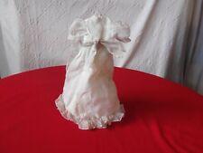 Robe longue ancienne de poupée.