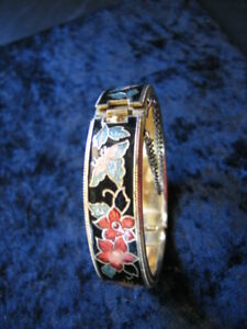 VINTAGE CLOISONNE & ENAMEL BUTTERFLY CUFF BRACELET WITH SAFETY CHAIN