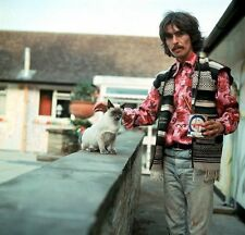 GEORGE HARRISON UNSIGNED PHOTO - 5521 - THE BEATLES
