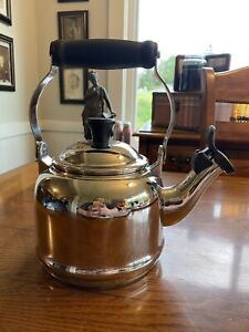 Le Creuset Stainless Steel Whistling Tea Kettle, 1.7 qt. New!