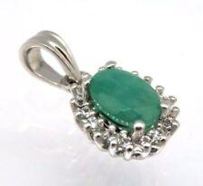 Collares y colgantes de joyería con gemas verde esmeralda