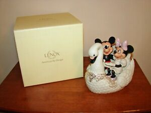 Lenox DISNEY Showcase Collection Romance Under The Stars With Mickey - Swan Boat