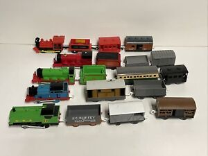 TOMY Toys, Mattel Thomas The Train Lot of 19 Pieces Figure Toys Preowned 1990's