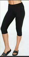 NWT V.S. Pink M Essential Crop/ Capri Yoga legging Medium Women Victoria Secret