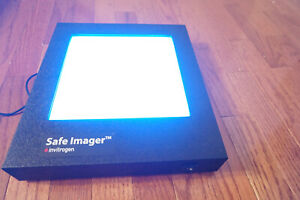 Invitrogen S37102 Safe Imager Lab Benchtop Blue Light Transilluminator screen