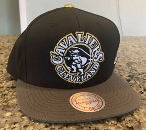 Cleveland Cavaliers Hat Cap Snapback USA Flag NWT Mitchell & Ness Gold Tip
