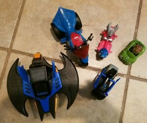 Lot of 4 Super Hero Action Figure Marvel DC Comic Vehicles Spiderman Batman