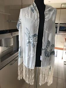 English Eccentrics long rectangular scarf, fringed, cream with blue/grey devore