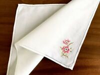VINTAGE HAND EMBROIDERED White LINEN TABLE CENTRE / TRAY CLOTH 13X19 INCHES