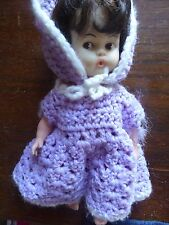 """Vintage Hong Kong fait baby doll CA 10"""" in Knited Outfit"""