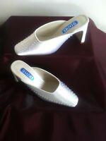 Stunning Ladies Satin Mule Shoes Size UK 6 - Ivory - 3 Inch Heels