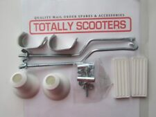 LAMBRETTA or VESPA FRONT CARRIER FIXING KIT WITH WHITE RUBBERS ARMS AND FIXINGS