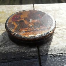 ANTIQUE 19th CENTURY CIRCULAR SNUFF BOX WITH COLOUR ENGRAVING TITLED 'Le Patre'