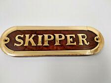 Plaque de porte bois et laiton SKIPPER longueur 16cm ,neuve