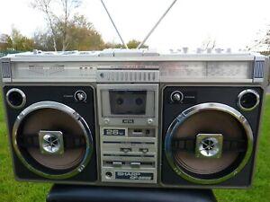 Radio cassette ghetto blaster boombox