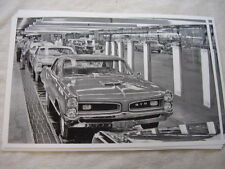 1967 PONTIAC  GTO ASSEMBLY LINE #2     11 X 17  PHOTO  PICTURE