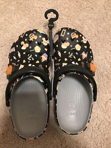 2020 DISNEY PARKS GLOW IN THE DARK HALLOWEEN CROCS Mens 4 Womens 6