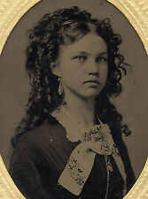 OLD VINTAGE ANTIQUE TINTYPE PHOTO of BEAUTIFUL YOUNG TEEN GIRL w/ LOVELY HAIR