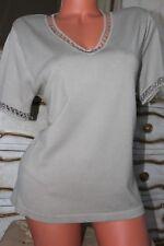 (R1) Crema De Manga Corta V Neck de Superdry con mangas de línea de cuello adornado Talla M &