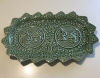 "BORDALLO PINHEIRO SERVING PLATE PLATTER GREEN BUNNY RABBITS PORTUGAL 13"" X 8""EUC"
