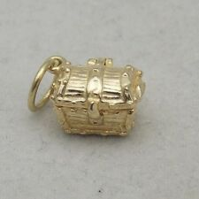 OPENING 9 CARAT GOLD TREASURE CHEST CHARM