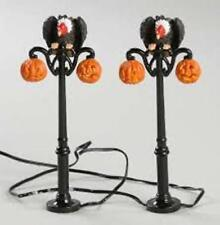 Department 56 Halloween Gothic Street Lamp (Set of 2) (56.52961) (1)