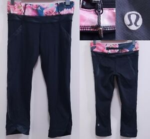 Lululemon Pink Flower Cropped Yoga Leggings Size 4 XS Skinny Pants