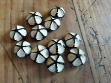 BP12/ Lot 11 boutons anciens plastique dia15mm ann20/30 11 Old plastic buttons