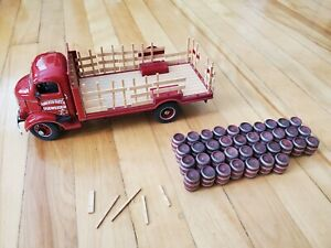 DANBURY MINT 1938 GMC Budweiser Stake Delivery Truck with 37 Barrels