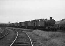 PHOTO  LOCOS AWAITING CUTTING UP AT BARRY ON 3RD AUGUST 1964