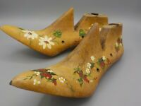 2 Antique Womens Wood Shoe Forms Cobbler Mold Stretcher Painted Daisy & Berry