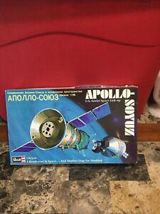 Vintage 1975 Revell Model Kit Apollo Soyuz US Soviet Space Link Up 1/96 Scale