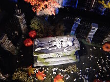 Halloween TOMBSTONE ~Eternal LOVE ~ 2 skeletons CRYPT Dept 56 figure gaming mini