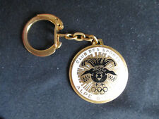 PORTE CLE (KEY CHAIN) METAL EMAILLE NO AUGIS CLUB DES SPORTS ALPE D'HUEZ SKI