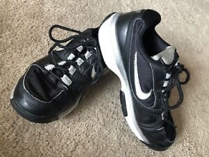 NIKE Athletic Shoes ~ Boys Youth Size 4 ~ Sports Play