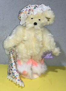"Annette Funicello Dream Keeper LTD Edition Bear w/ Bunny Slippers 14"" Necklace"