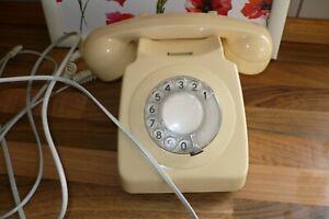 VINTAGE RETRO IVORY/CREAM 1970's - 746 TELEPHONE