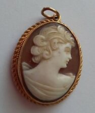 9ct gold Hallmarked Cameo Pendant / Brooch