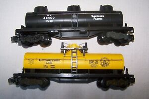 LIONEL TWO S SCALE TANK CARS SOUTHERN PACIFIC AND BALTIMORE AMD OHIO NEW