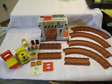 Fisher Price Little People Play 943 Lift Load Railroad Construction Depot  A lot