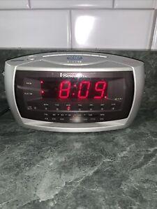 Emerson Research SmartSet Dual Auto Setting AM/FM Radio Alarm Clock #CKS3029 LNC