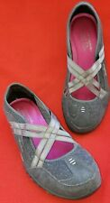 Skechers Workout Shoe 8.5M Gray Ballet Flat Look  Elastic Crossovers