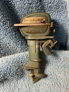 Vintage 1950s K&O Evinrude Big Twin Miniature Outboard Boat Motor Toy