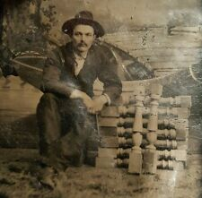 ANTIQUE WOODTURNING SPINDLE MAKER CARPENTER OCCUPATIONAL ROW BOAT TINTYPE PHOTO