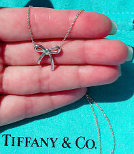 Tiffany & Co Plata Esterlina Collar Colgante de cinta de arco