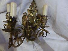 Applique en bronze 19ème de style gothique décors aux lions