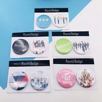 2PCS Kpop BLACKPINK TWICE Badges GOT7 TXT SEVENTEEN Brooches Pins lskn 0MJ&@