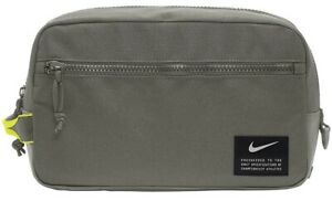 2021 Nike Utility Modular Tote Dopp Kit Toiletry Bag Small Items Travel Bag Gym